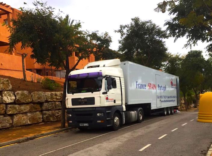 removals vehicle in Almeria
