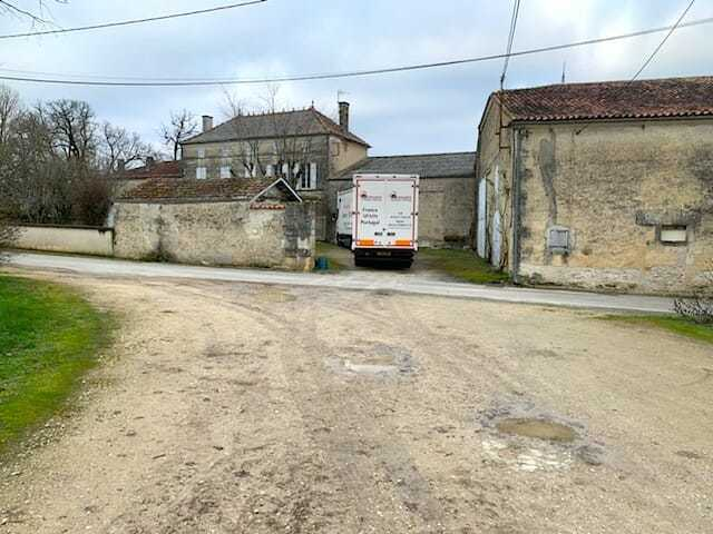 Removals truck cognac france