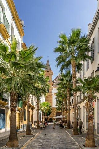 Moving to Cadiz